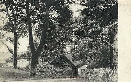 A Thatched shelter in The Shrubbery, Southend on Sea, c.1900-1905 Reproduced by permission of English Heritage.NMR Reference Number: PC07136