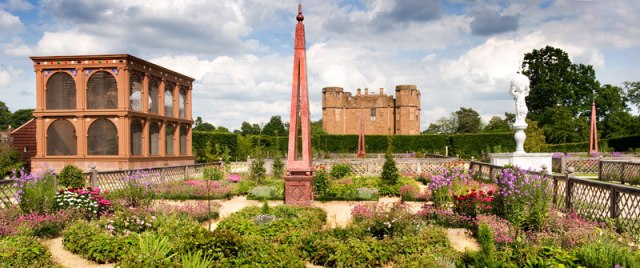 The reconstrcution of Robert Dudley's garden at Kenilworth, with the aviary on the left. from http://www.english-heritage.org.uk/publications/elizabethan-garden-kenilworth-castle/