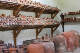 An array of pots at Clumber Park, image from http://www.jibberjabberuk.co.uk/2014/08/kitchen-garden-notes-walled-kitchen.html