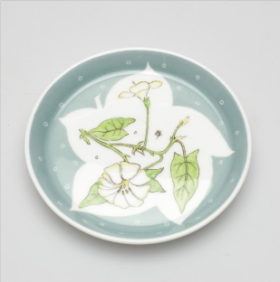 Coaster depicting bindweed from English Wild Flower design by Susie Cooper, 1977 Wedgwood Museum