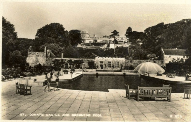 The swimming pool and cavalry barracks,  1936 from  the Peter Davis Collection at Parks and Gardens UK.