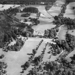 Osterley Park, Osterley, 1928 http://www.britainfromabove.org.uk