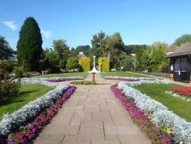 Amersham Memorial Gardens   © Copyright Des Blenkinsopp and licensed for reuse under this Creative Commons Licence.