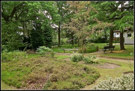 images of Petts Wood Memorial Garden by Mike (waiting patiently) from Flickr.com