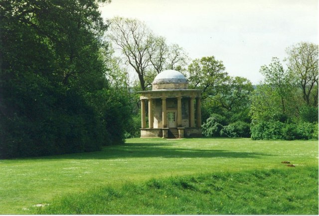The Doric Temple on Rievaulx Terrace in Duncombe Park  © Copyright Sarah Charlesworth and licensed for reuse under this Creative Commons Licence.