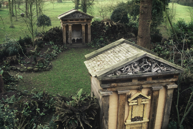 The stumpery and oak temples at Highgrove photos by Isabel and Julian bannerman, Flickr.com