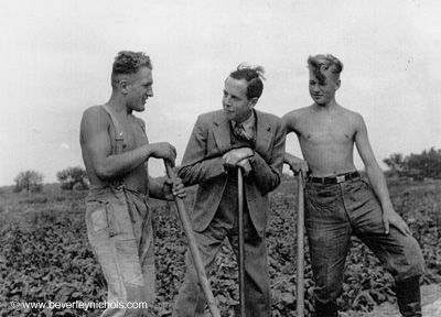 Digging for victory. Beverley with farm workers in 1941. http://www.beverleynichols.com