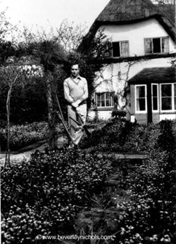 Beverley Nichols in garden at Glatton. http://www.beverleynichols.com