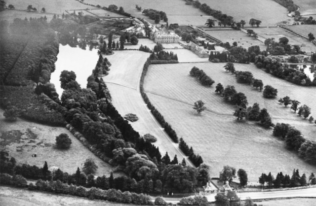 aerial view of the house and park, 1936;http://www.coflein.gov.uk/en/catalogue/6422509/details/504/