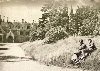Tyntesfield in WWII: Two American soldiers rest on a grass bank in front of Tyntesfield's main house. http://www.northsomersettimes.co.uk