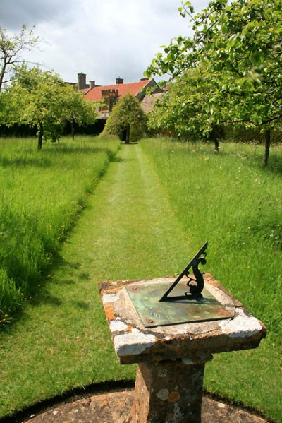 The central sundial in the Orchard © Copyright David Lally 2009 and licensed for reuse under this Creative Commons Licence.