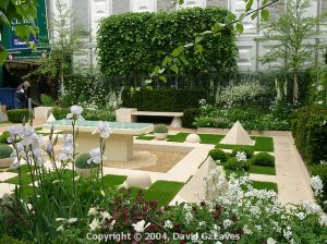 The Woolworth Garden at Chelsea, 2004 http://www.davideaves.co.uk/Chelsea/crw_14400.php