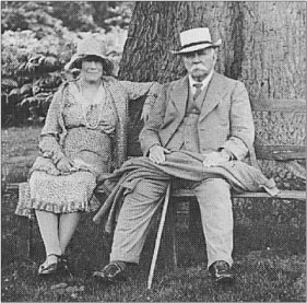 Thomas Phillips Price with his third wife May under one of the great oaks. (Thomas Phillips Price Trust)