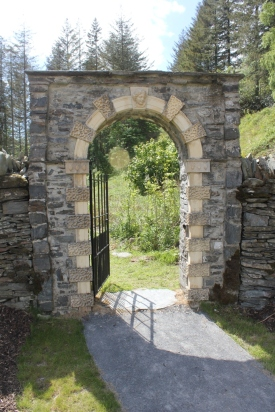Restored gateway with Coade nymph at Hafod, http://www.letterfromaberystwyth.co.uk/the-coade-stone-heads-at-hafod/