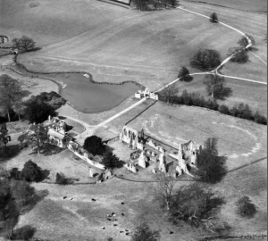 Bayham Abbey and surrounding parkland, Lamberhurst, 1953. from http://www.britainfromabove.org.uk/
