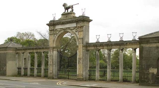 The gateway at Syon Park http://www.haddonstone.com/en/subcat/history-artificial-stone