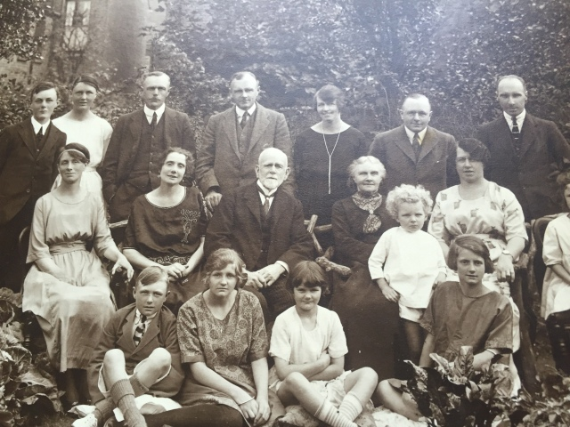 Owen Thomas with his family. Harry is at the back on the far left. photo courtesy of Jeremy Thomas