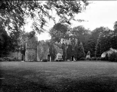 This Gothick folly was designed by Alexander Pope and Lord Bathurst and was built in 1721. Although built as a sham ruin, it is now the real thing, its condition having deteriorated over the years. Photographer:Henry Taunt Date Taken: