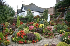 from http://travelvista.net/beautiful-english-garden