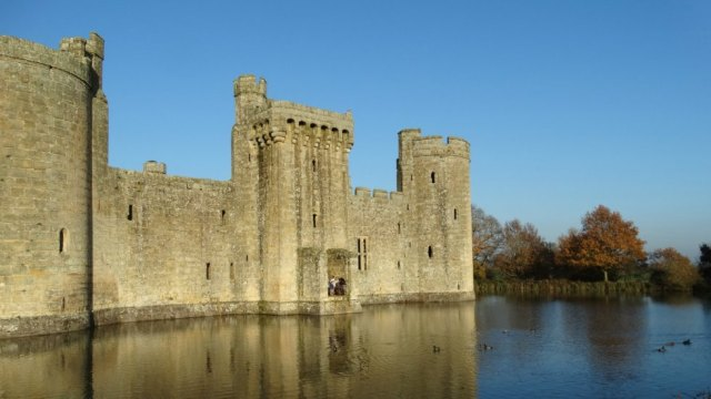 https://www.nationaltrust.org.uk/bodiam-castle