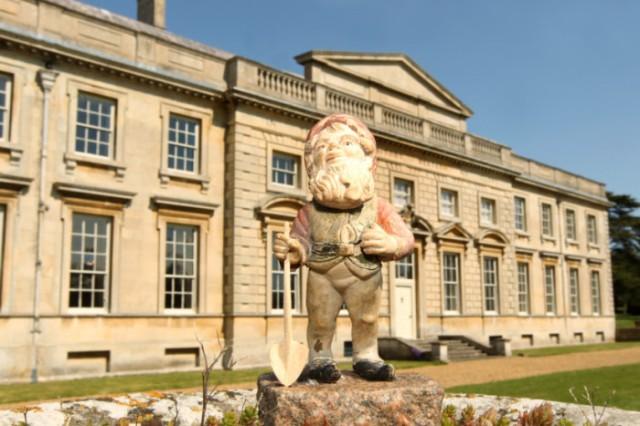 http://www.northantstelegraph.co.uk/news/video-gyles-brandreth-celebrates-anniversary-of-lamport-hall-trust-s-founding-1-6097129