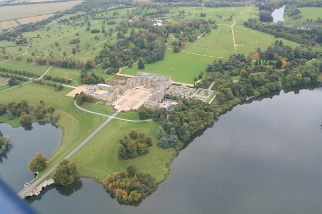 https://www.adventureballoons.co.uk/picture/blenheim-palace