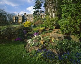 Rockery at Upton House, http://www.tommackie.com